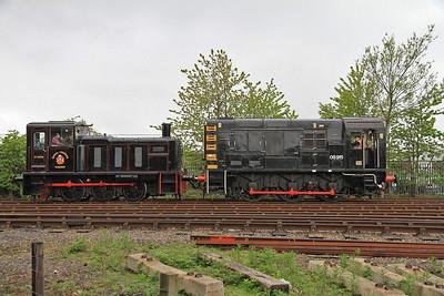 03078 / 08915 running round at Middle Engine Lane - 01/06/13.