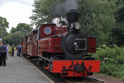 W&L No.12 'Joan' (KS 4404/1927), Cyfronydd, P6 10.00 Welspool-Llanfair Caereinion  - 31/08/13.