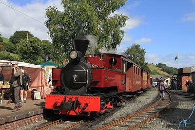 W&L No.12 'Joan' (KS 4404/1927), Llanfair Caereinion, P6 10.00 ex Welshpool  - 31/08/13.