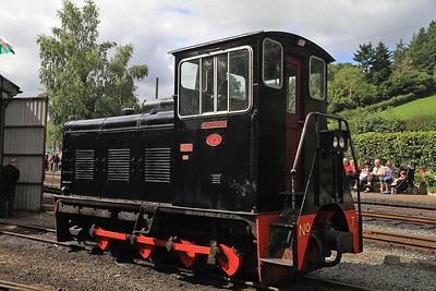 W&L No.7 'Chattenden' (BD 2263/1949, Ex RNAD, Broughton Moor), Llanfair Caereinion  - 31/08/13.