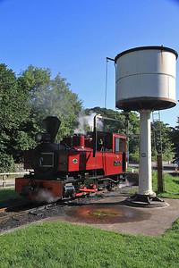 W&L No.12 'Joan' (KS 4404/1927) awaits its next turn at Welshpool Raven Square  - 31/08/13.