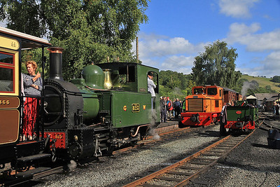 W&L No.17 (Diema 4270/1979, Ex San-hua Sugar Works Railway, Taiwan, no.175), Llanfair Caereinion, P6 10.00 ex Welshpool, W&L No.2 (Ex GWR No.823 'The Countess') is on P5 11.08 to Welspool, W&L No.8 'Dougal' (AB 2207/1946, Ex Provan Gasworks) is on display.  - 31/08/13.