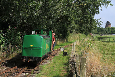 'Dudley' (G&SLE 1957), Lakeview, running round  - 25/08/13.