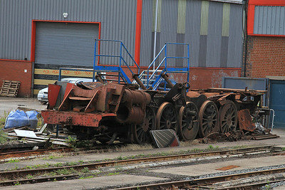 what's left of 9F 92245 sits outside the shed at Barry - 16/08/14.