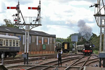 31638 arr Horsted Keynes, 11.00 Sheffield Park-East Grinstead - 23/08/14.
