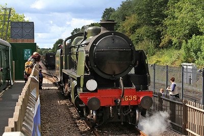 31638 running round at East Grinstead - 23/08/14.
