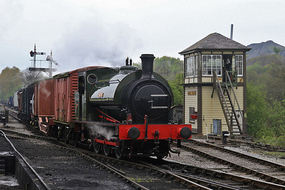 HE 2705 / 1945 'Beatrice' arr Embsay, 10.30 Bolton Abbey-Bow Bridge 'Goods'  - 04/05/14.