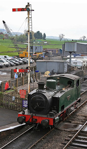 HC 1731/1942 'S.Fox & Co. Ltd No.20' / 'Jennifer', Embsay, backing onto the 11.00 'parcels' to Bolton Abbey  - 04/05/14.