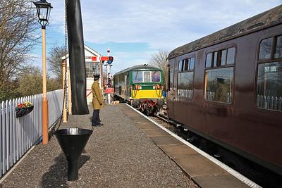 E6003 (73003) running round at Blunsdon - 15/03/14.