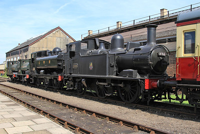 1466 / 3738 / 1340 / 1338 on display outside the shed - 22/08/15.