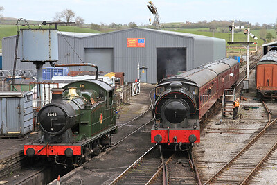 '69' (RSHN 7086/1943) arr Embsay, 14.00 ex Bolton Abbey - 04/05/15.