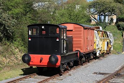 '2957' (R&H 512572/1965) on display at Ongar - 18/04/15.