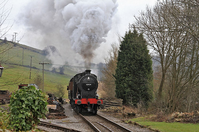 43924 arr Oakworth, 13.05 Keighley-Oxenhope - 28/02/15.