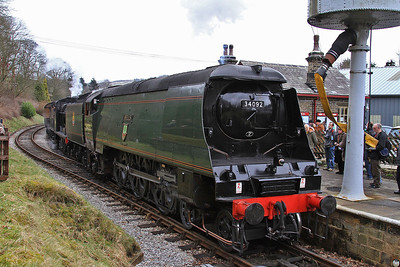 34092+43924, running round at Oxenhope - 28/02/15.