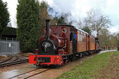 CSR 19 (HC 1056/1914, ex Fiji) arrives at Oak Tree Halt on a passenger train from Statfold Junction - 28/03/15.