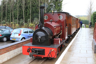CSR 19 (HC 1056/1914, ex Fiji) in the platform at Statfold Junction after arrival with a passenger train  - 28/03/15.