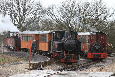Trains cross in the loop at Oak tree halt - on the left we have No.9 'Sf.Djatibarang' (Jung 4878/1930, ex Indonesia) and on the right CSR 19 (HC 1056/1914, ex Fiji) - 28/03/15.