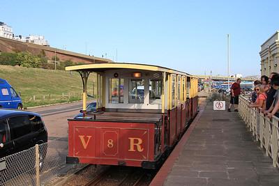 VR cars no.8 & no.7, Black Rock Station, 17.30 ex Aquarium - 22/08/15.