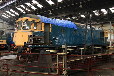 33035, having had some rotten bodywork cut away for replacement, on the turntable inside the roundhouse at Barrow Hill - 27/02/16.