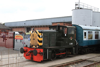 D2853, Barrow Hill, on the rear of the shuttle stock in the 'Roundhouse Halt' platform - 27/02/16.