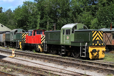 D9521, HE6688/1968 & D9555 in the sidings at Norchard - 03/07/16.
