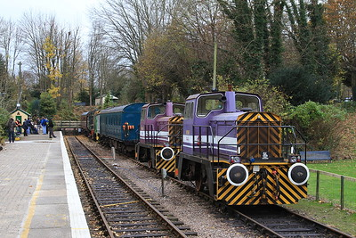 ex-MOD 01546 (TH 273V/1977)  & 01543 (TH 303V/1982), Shepherds Well, awaiting their turn for a spin - 26/11/16.