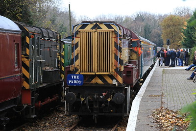 08676, Shepherds Well, about to reverse out to swap engines for the next run - 26/11/16.