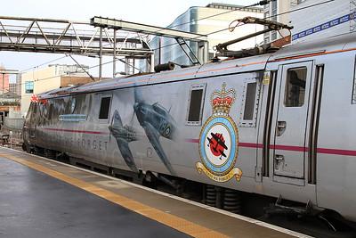 91110, London Kings Cross, 1A09 07.05 ex Leeds - 26/11/16.