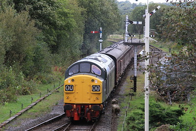 40135 arr Ramsbottom, ECS for 2E58 11.34 to Bury - 24/09/16.