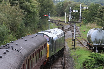40135 heads into the siding at Ramsbottom, ECS off 2E57 10.44 ex Bury - 24/09/16.