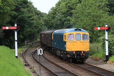 33035 arr Weybourne, 2C07 10.33 Holt-Sheringham - 11/06/16.