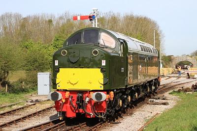 40013, Norden, running round - 06/05/16.