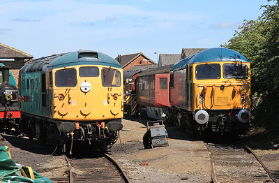 26007 & 56006 in the yard at Leeming Bar, sadly 56006 has failed for today - 16/07/16.