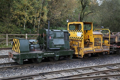 RH 195846/1939 'Vanguard' & SMH 40SD516/1979 'Sludge' (ex-Severn Trent Water), outside Apedale loco shed - 28/10/17