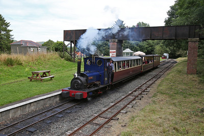 HE 779/1902 'Holy War' dep Bala, 12.30 to Llanuwchllyn - 27/08/17