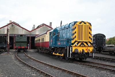 08604 awaits its turn to work some passenger rides - 23/09/17