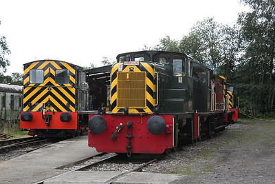 D2854 / D2337 / D2953 on the BV shuttle at the HST shed .... D2205 on the left ready to come out to play - 02/09/17