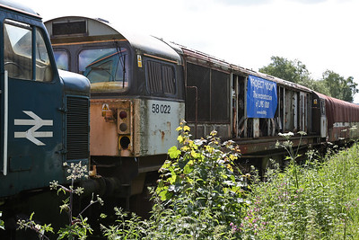 58022 in the sidings at Rowsley - as the sign says this loco is to donate it's frames for the construction of a an LMS 10000 replica - 03/06/17.