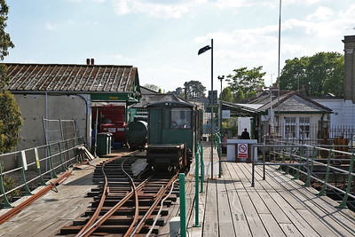 Hythe Pier train headed by No.1 (Brush Electric 16307/1917), back at the station - 07/05/17.