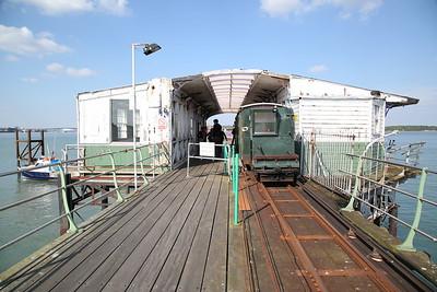Hythe Pier train headed by No.1 (Brush Electric 16307/1917), Hythe Pier Head station - 07/05/17.