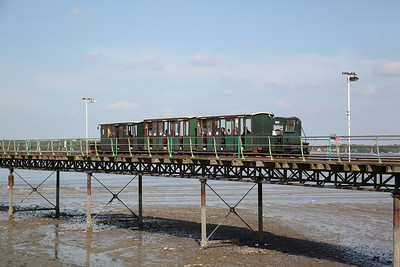 Hythe Pier train leaving the station and heading down the pier with No.1 (Brush Electric 16307/1917) at the rear - 07/05/17.