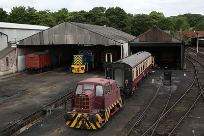 RR 10202/1967 'Barabel' outside Wansford shed, D9529 lurks inside - 04/06/17.