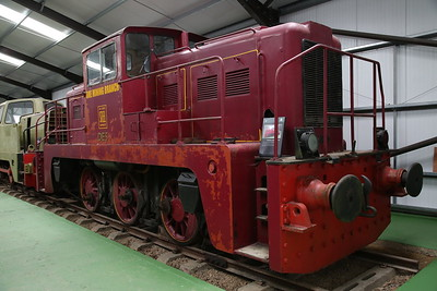 YE 2791/1962 'DE5' (ex-Exton Park Ironstone Quarries, Rutland & BSC, Scunthorpe) on display inside the museum - 04/06/17.