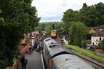 66771, Bewdley, 13.25 ex Kidderminster ..... 60100 arrives on the 12.54 Bridgnorth-Kidderminster - 19/05/17.