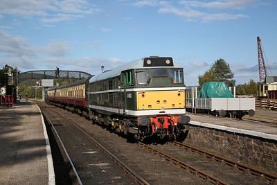 D5862 (31327), Boat of Garten, 14.20 Dulnain Bridge-Aviemore - 24/09/17