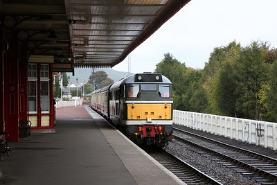 D5862 (31327) arr Aviemore, 13.05 from Boat of Garten - 24/09/17