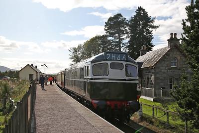D5394 (27050), Broomhill, on rear of the 14.20 Dulnain Bridge-Aviemore - 24/09/17