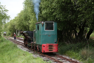 R&H 283871/1950 (Ex British Gas, Stanford-le-Hope, Essex & Sturry Quarry, Canterbury), shunting on the demonstration line at the Purbeck Mineral and Mining Museum, Norden - 07/05/17.