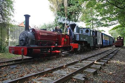 HE 542/1891 'Cloister & KS 2405/1915 'Joffre', Delph, 11.34 to Becconsall - 24/09/17