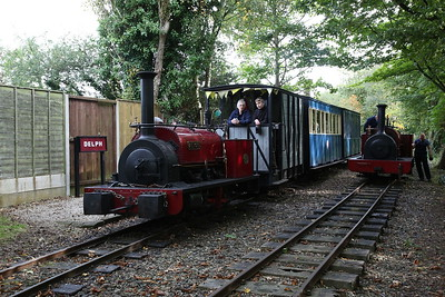 HE 780/1902 'Alice', Delph, 11.07 to Becconsall ....... HE 542/1891 'Cloister awaits its next turn - 24/09/17
